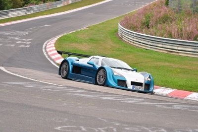 Video:Gumpert Apollo Sport blazing through the Nurburgring in 7:11