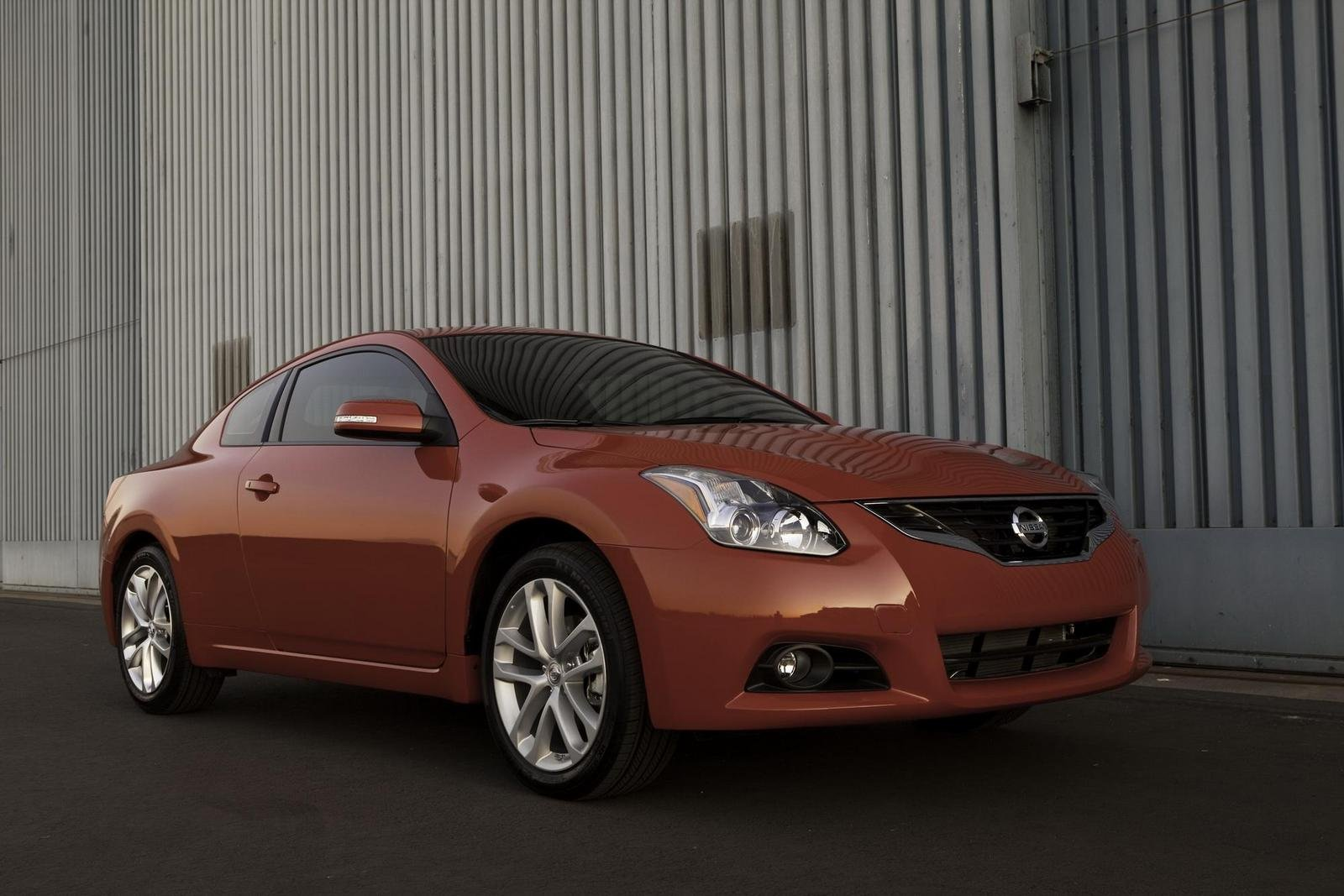 Nissan Altima 3.5 >> 2010 Nissan Altima Coupe Review - Top Speed