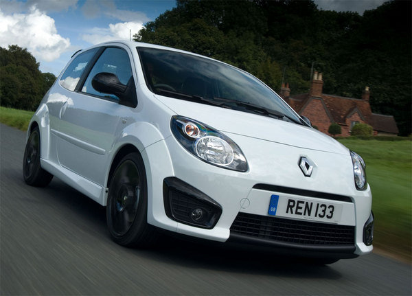 2010 renault twingo rs 133 cup car review top speed. Black Bedroom Furniture Sets. Home Design Ideas
