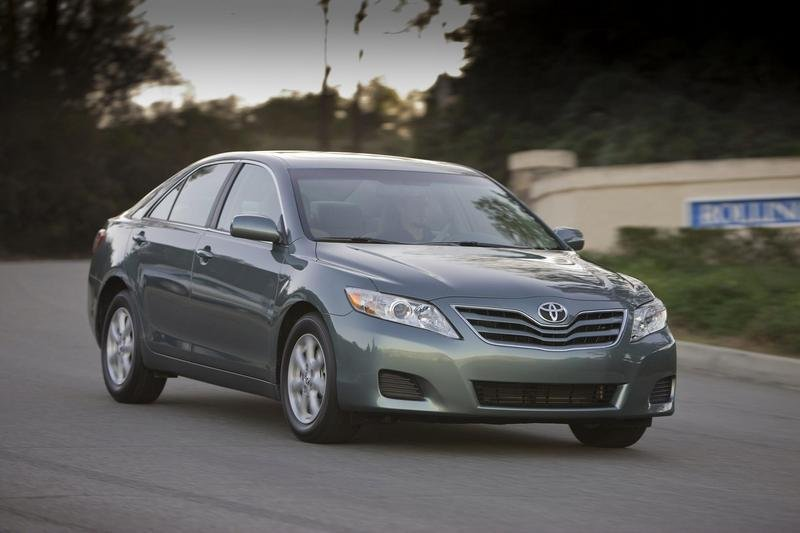 toyota camry reviews specs prices top speed. Black Bedroom Furniture Sets. Home Design Ideas