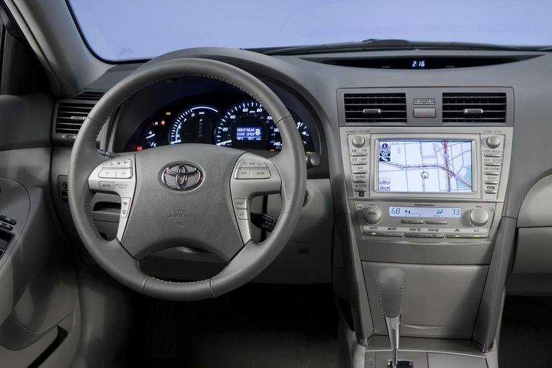 2010 Toyota Camry - image 323224