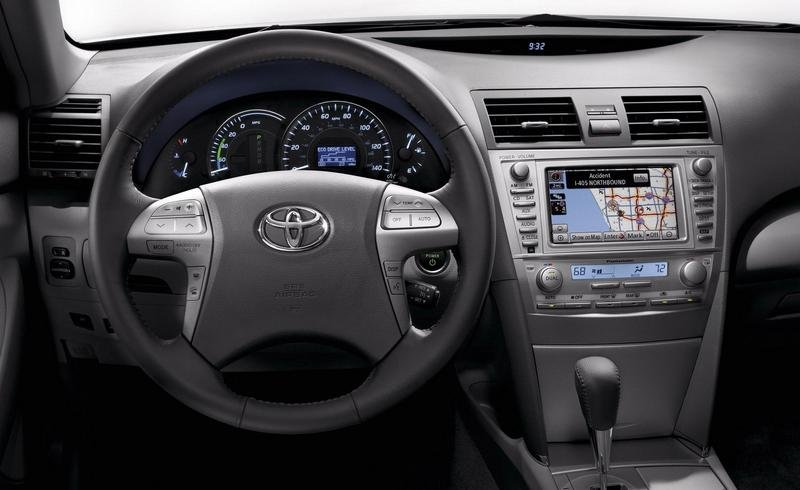 2010 Toyota Camry - image 323188