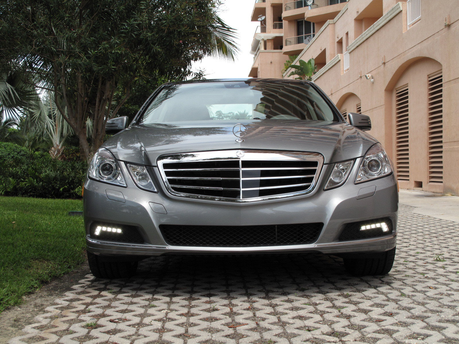 initial thoughts 2010 mercedes benz e 350 news gallery. Black Bedroom Furniture Sets. Home Design Ideas