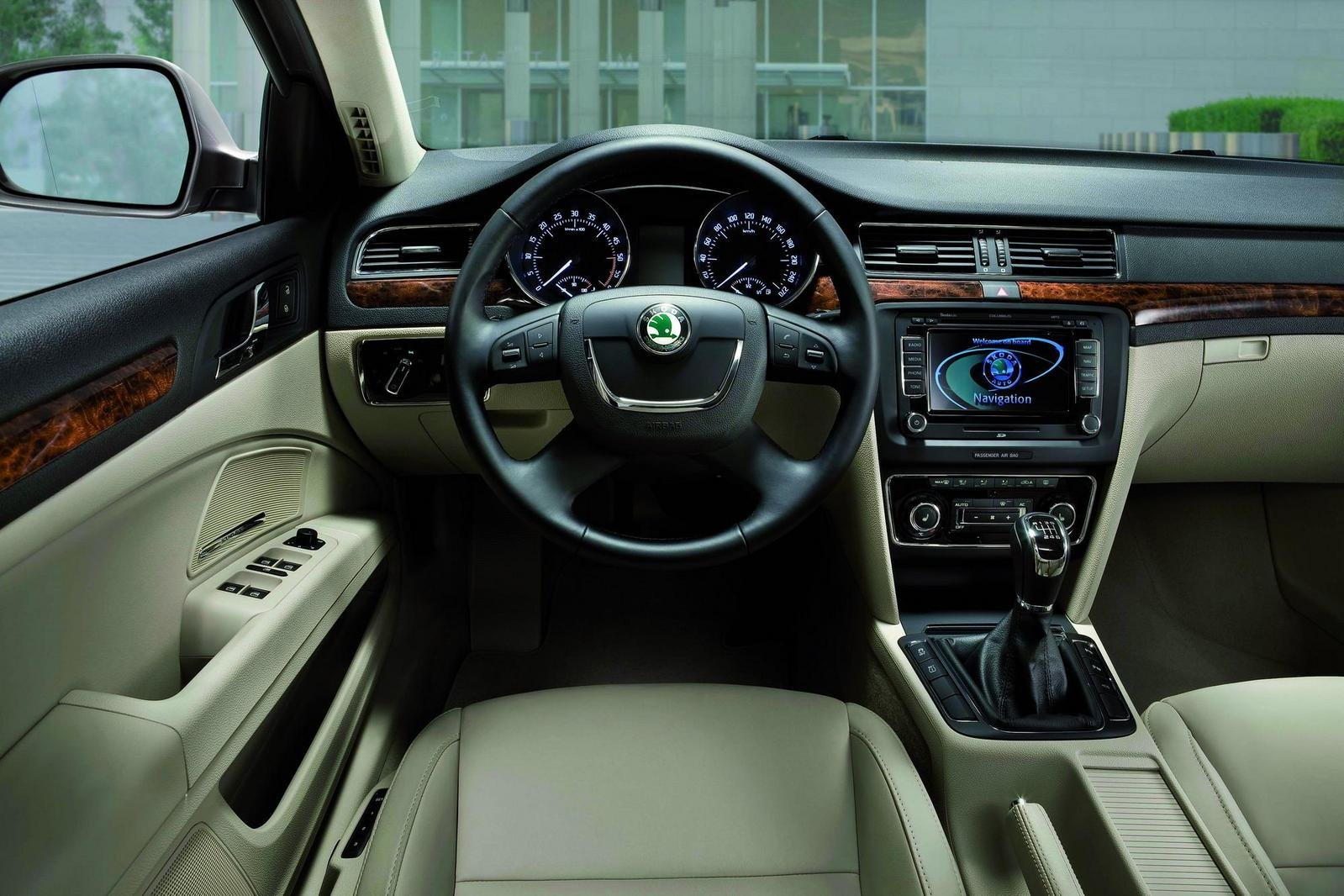 2010 skoda superb combi picture 320322 top speed picture to pin on pinterest thepinsta. Black Bedroom Furniture Sets. Home Design Ideas