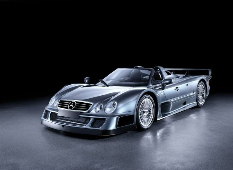 2005 Mercedes-Benz CLK GTR Coupe and 2006 Mercedes-Benz CLK GTR Roadster fetch a combined £1.1 million at the RM Auctions