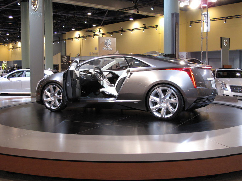 The Cadillac Converj wins the 2009 South Florida International Auto Show Concept Car of the Year Award
