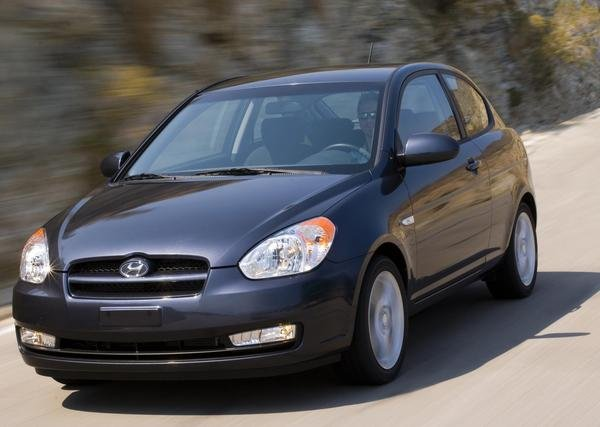 2010 hyundai accent car review top speed. Black Bedroom Furniture Sets. Home Design Ideas