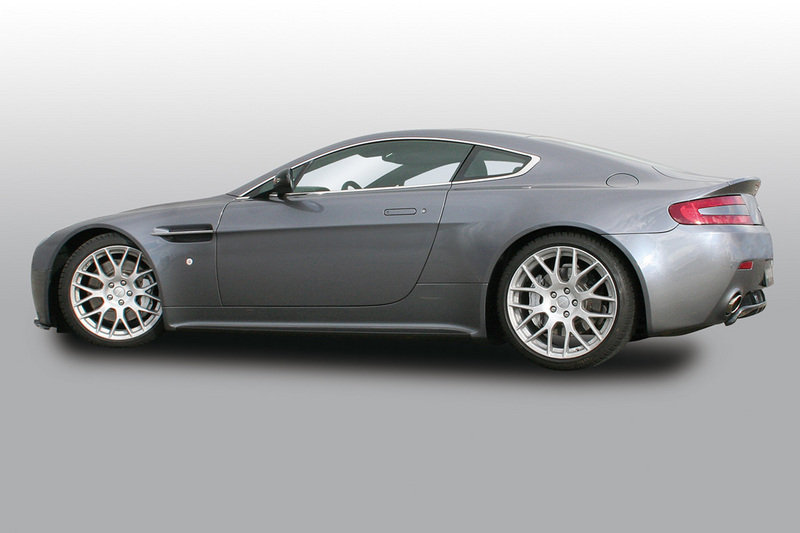 Aston Martin Vantage V8 and DB9 got Cargraphic winter wheels