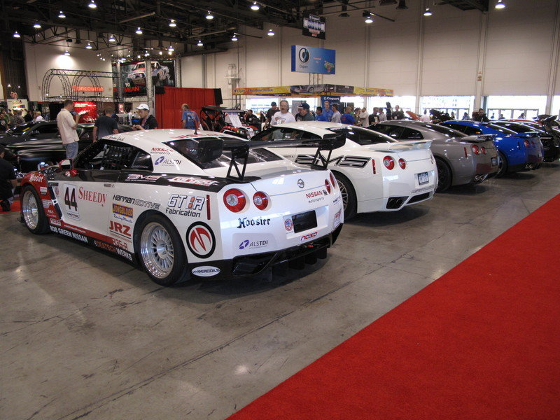 What dreams are made of, one long line of Nissan GT-Rs at the 2009 SEMA Show - image 333557