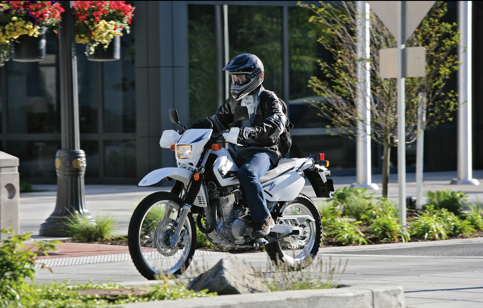 2010 Suzuki Dr650se Review Top Speed