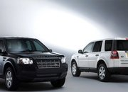 Land Rover Freelander 2 White & Black