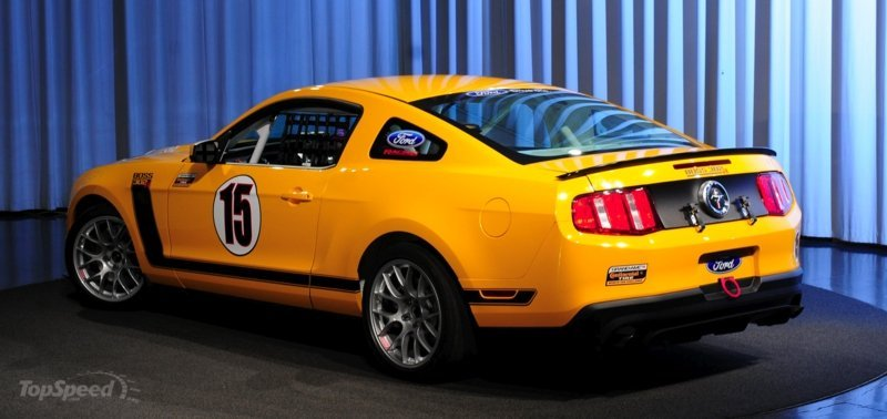 Ford prepares to go road racing with the Boss 302R Mustang High Resolution Exterior - image 339982
