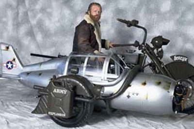 Custom Yamaha motorcycle gets WW2 plane sidecar