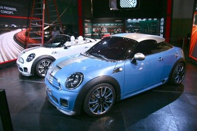 MINI Coupe and Roadster could hit dealerships by 2011