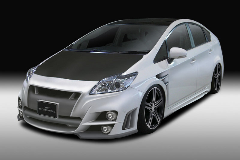 Toyota Prius Black Bison Edition by Wald International