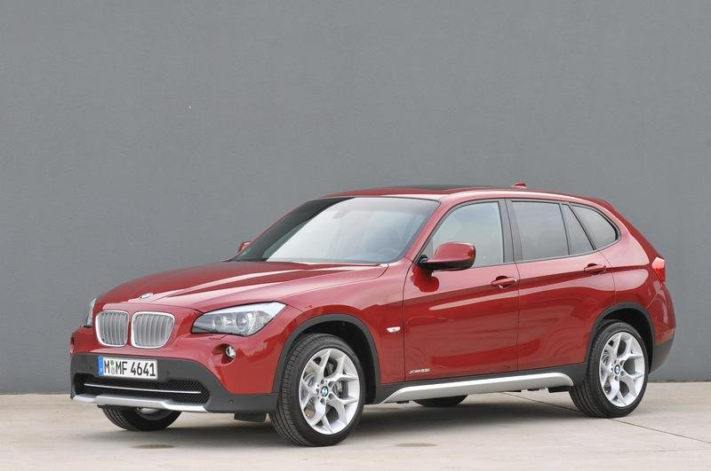 2010 BMW X1: xDrive28i and xDrive25i