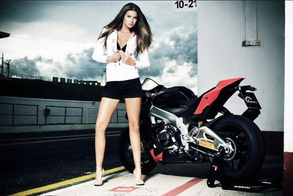 Aprilia RSV4 & Klara Go Straight To The Heart Pictures ...