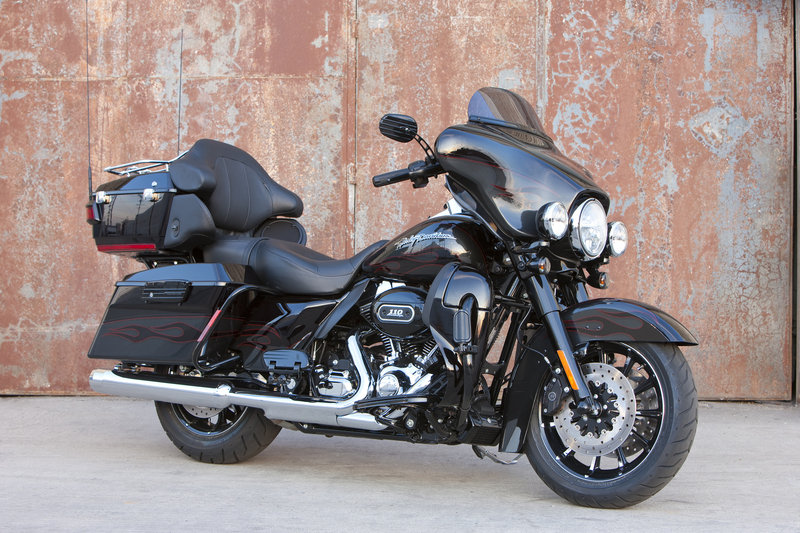 2010 Harley-Davidson FLHTCUSE5-BLK CVO Ultra Classic Electra Glide
