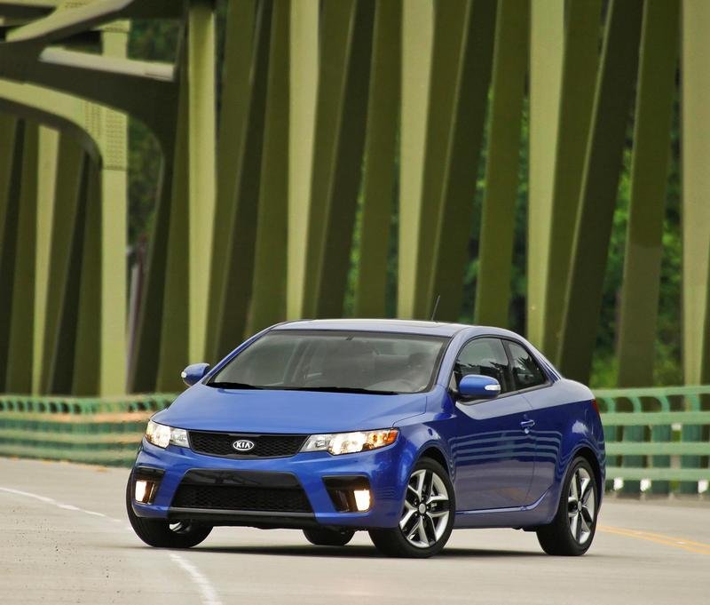 2010 kia forte koup review top speed. Black Bedroom Furniture Sets. Home Design Ideas