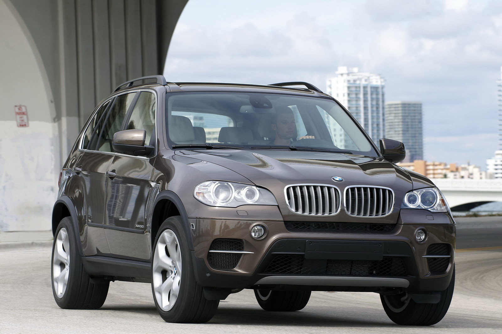 2011 bmw x5 review top speed. Black Bedroom Furniture Sets. Home Design Ideas