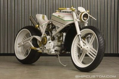 DUster Streetfighter by Yuri Shif Customs puts Belarus on the custom motorcycle map