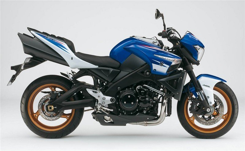 First look: 2010 Suzuki B-King gets attractive new color scheme Exterior - image 349732
