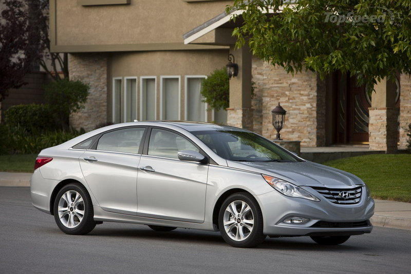 Hyundai recalls first batch of 2011 Sonata over front door lock malfunction