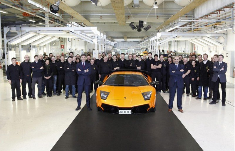 The 4000th Lamborghini Murciélago is destined for China