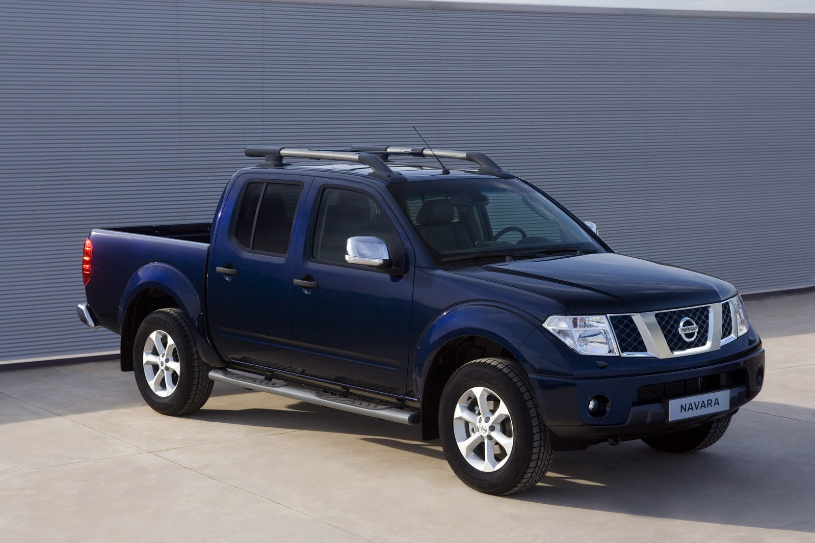 2011 nissan navara review top speed. Black Bedroom Furniture Sets. Home Design Ideas