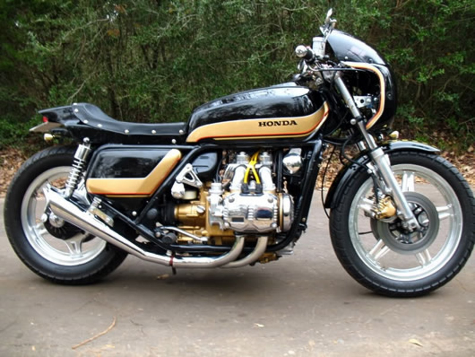 1976 Honda Gold Wing GL1000 turned into café racer