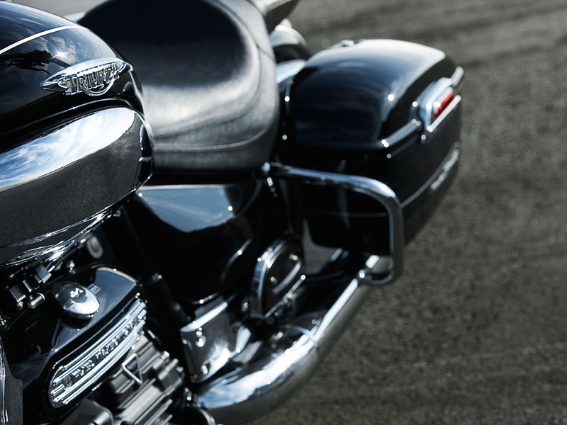 2010 Triumph Rocket III Roadster / Touring Exterior - image 351361
