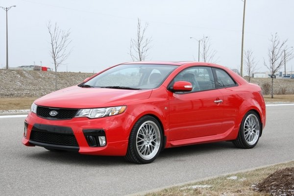 2010 kia forte koup r package car review top speed. Black Bedroom Furniture Sets. Home Design Ideas