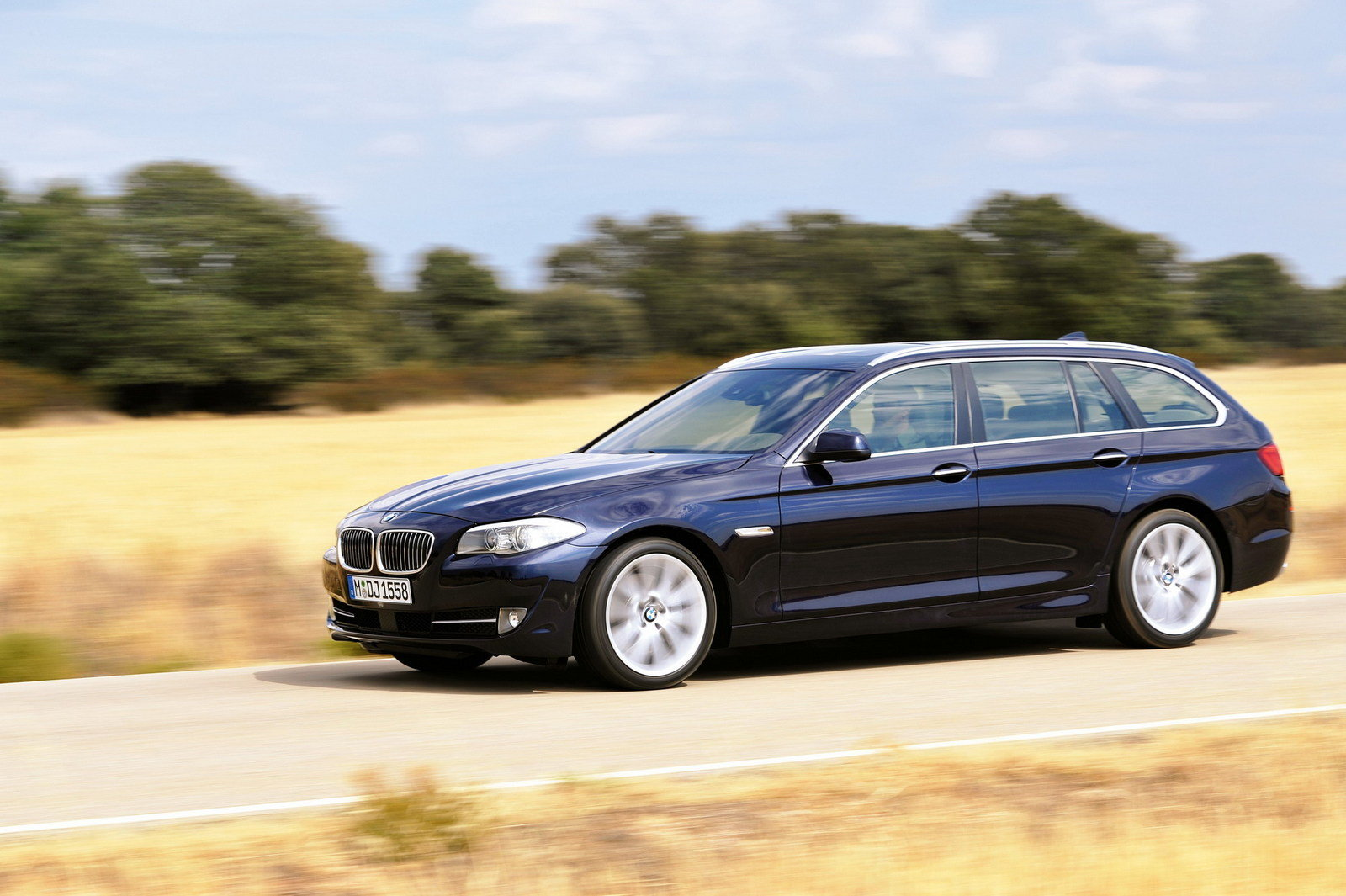2011 bmw 5 series touring review top speed. Black Bedroom Furniture Sets. Home Design Ideas