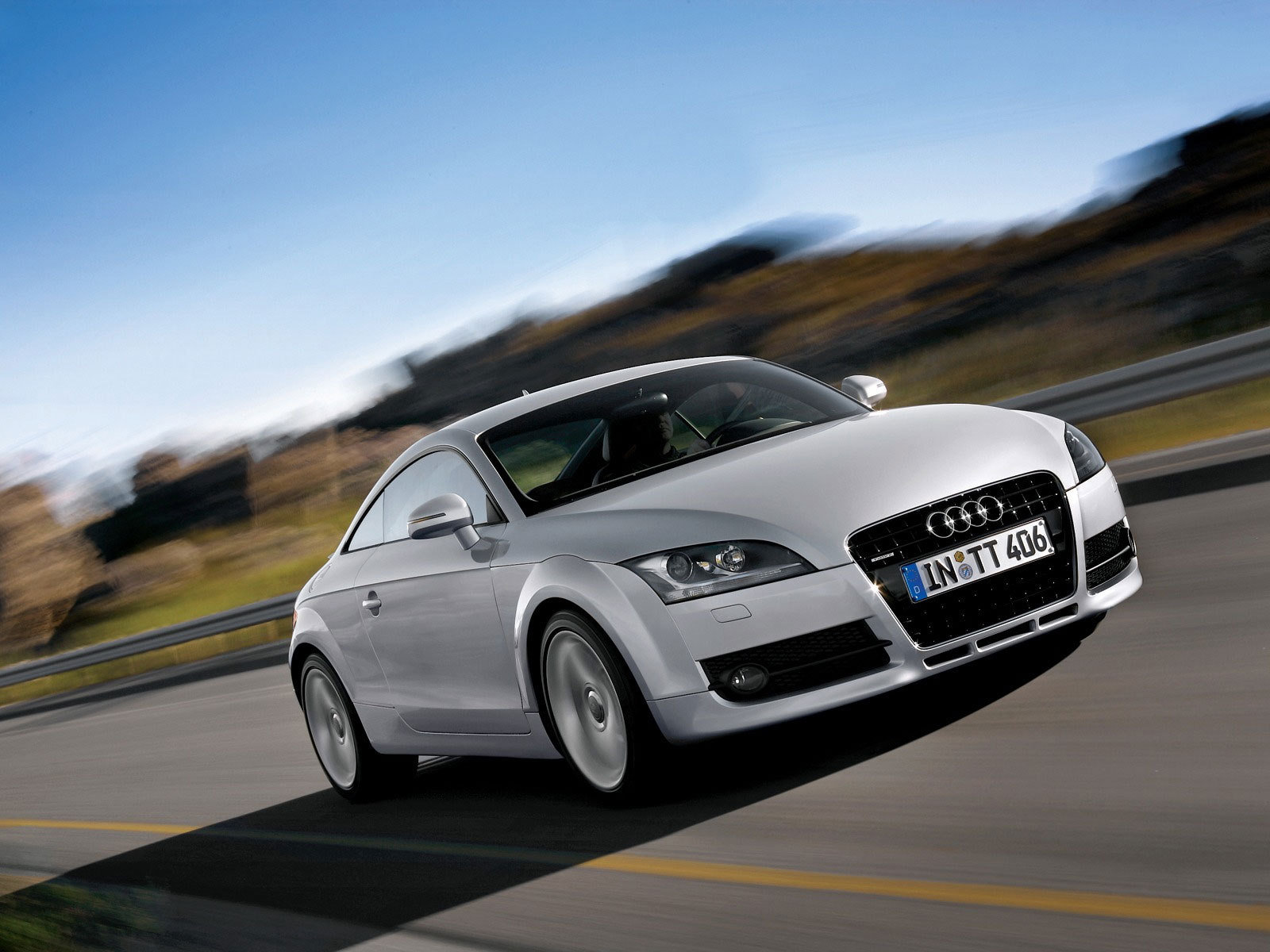 audi tt facelift to be revealed on april 10 news top speed. Black Bedroom Furniture Sets. Home Design Ideas