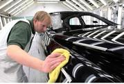 Video: The 2011 Bentley Mulsanne's Art of Color - image 352448