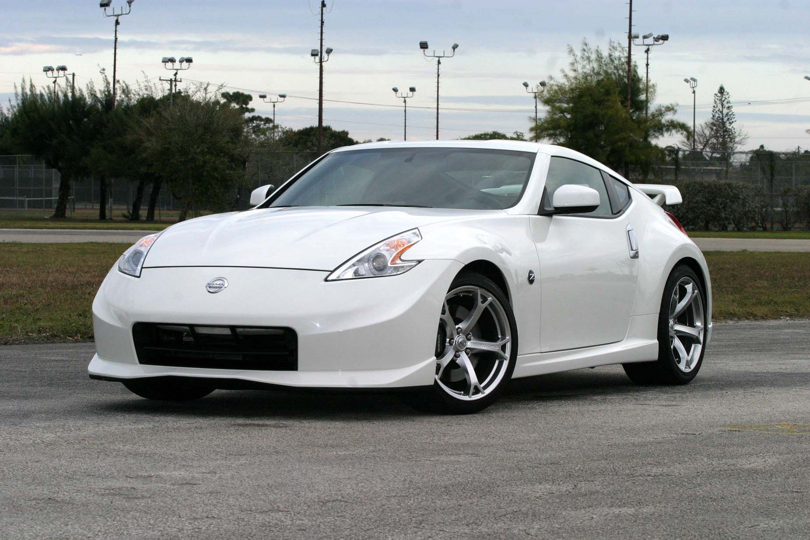 2010 nissan 370z nismo edition review top speed. Black Bedroom Furniture Sets. Home Design Ideas