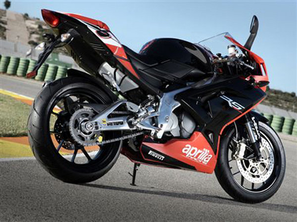 2010 aprilia rs 125 motorcycle review top speed. Black Bedroom Furniture Sets. Home Design Ideas