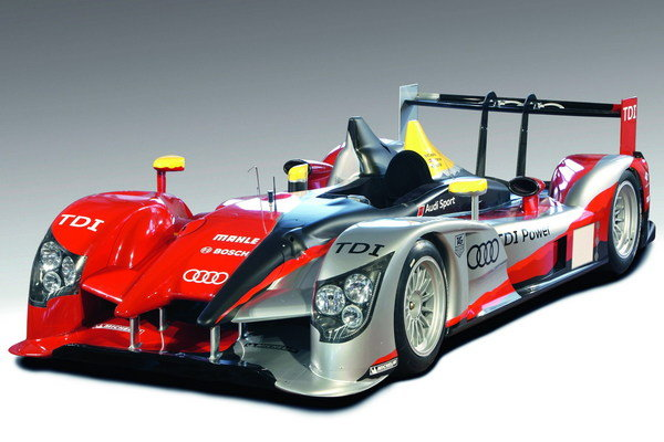 Audi R15 TDI diesel race sports car