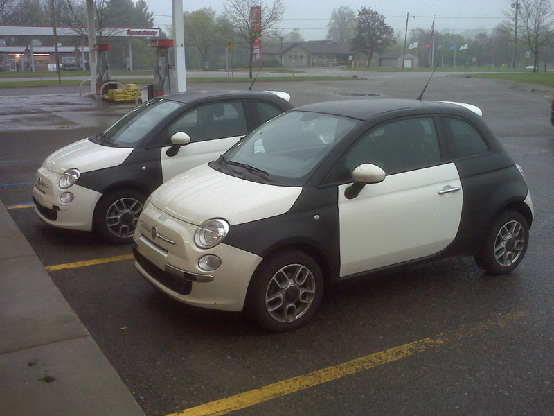 2011 Fiat 500 caught testing in the USA