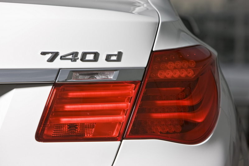 2010 BMW 740d xDrive High Resolution Exterior - image 358138