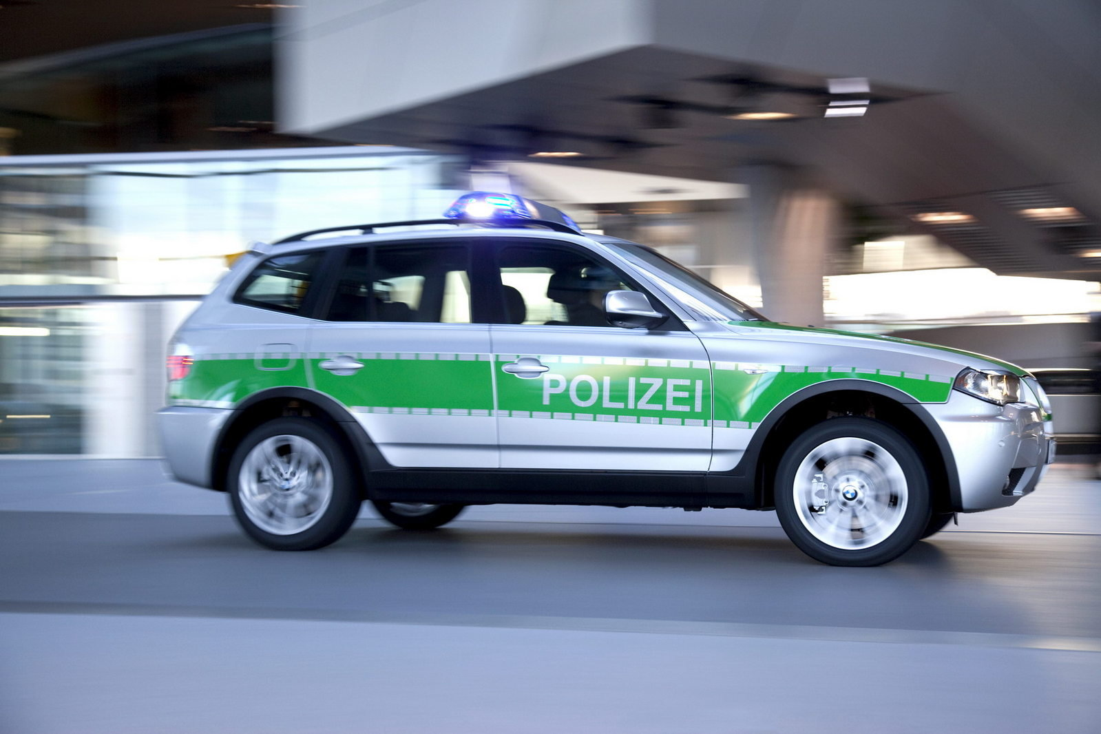 2010 bmw x3 police car review top speed. Black Bedroom Furniture Sets. Home Design Ideas