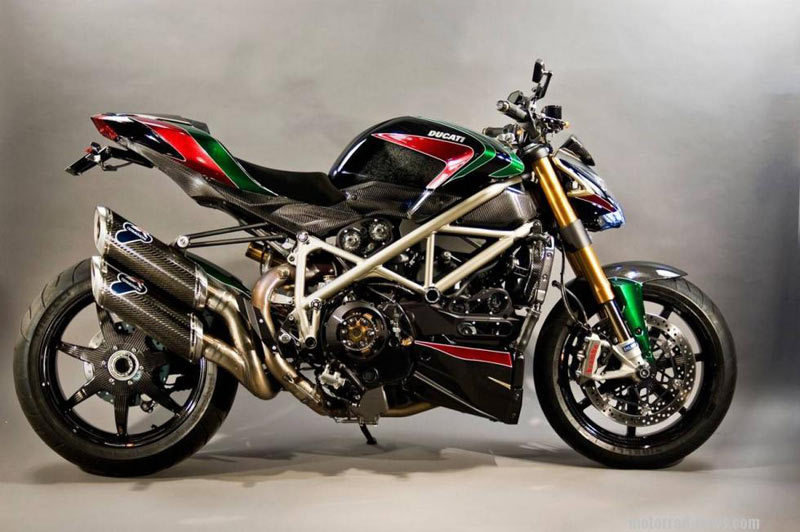 Pics aplenty: Ducati Streetfighter gets Rizoma treatment