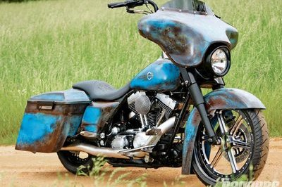 Harley-Davidson Road King Custom turns rust into fashion