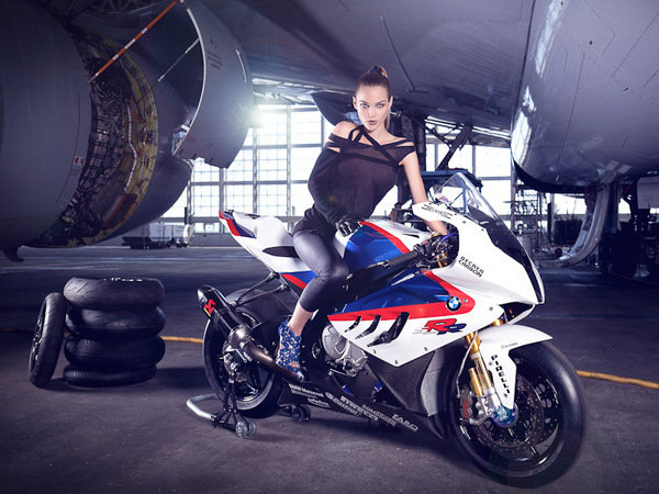 All Crash Parts >> Leslie Porterfield Makes BMW's S1000RR Look Faster, Classier - Picture 356837 | motorcycle News ...