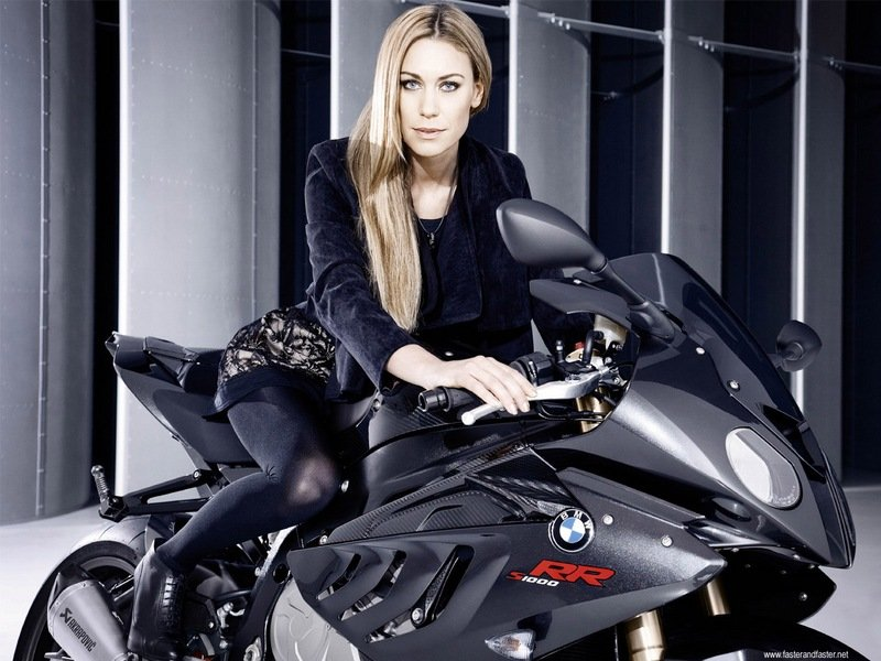 Leslie Porterfield makes BMW's S1000RR look faster, classier