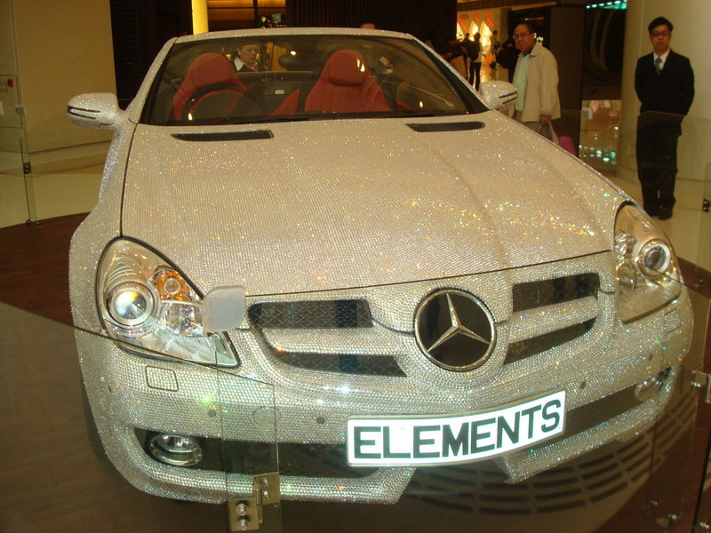 Mercedes SLK 200 has been dressed to crystalize