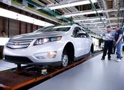 First pre-production model of Chevrolet Volt rolls out of assembly line - image 356614