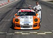 Porsche 911 GT3 R Hybrid makes successful Nordschleife debut - image 359476