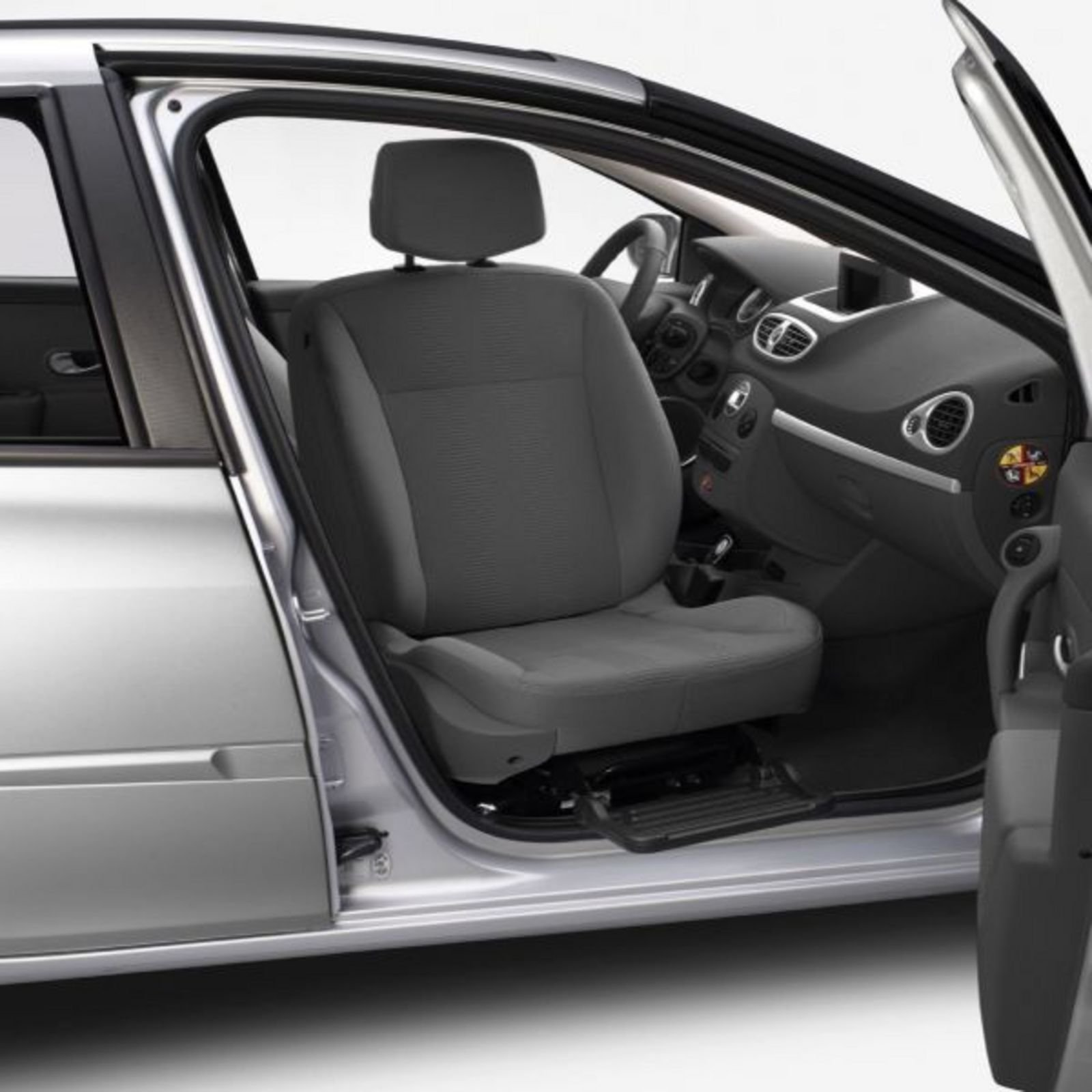renault to be first in europe to offer front passenger swivel seats for the clio news top speed. Black Bedroom Furniture Sets. Home Design Ideas