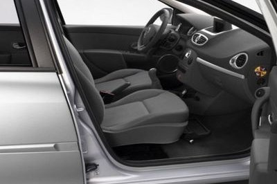 Renault to be first in Europe to offer front-passenger swivel seats for the Clio